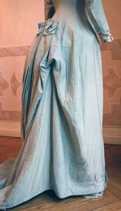 You can tuck it up if you are actually going to do something beyond lying languidly on the sofa. Tea Gown, Bustle Dress, Antique Clothing, House Dress, Blue Wool, Gowns, 3, Elegant, Skirts