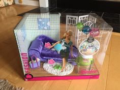 2006 Barbie Fashion Fever Room - Velvety Crush Couch - Living Room Furniture Sofa Chaise Rug Mod Floor Lamp Screen Divider Coffee Table End Table NIB NRFB J0679