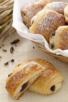 Agnese Italian Recipes: Italian pains au chocolate - Saccottini al cioccolato