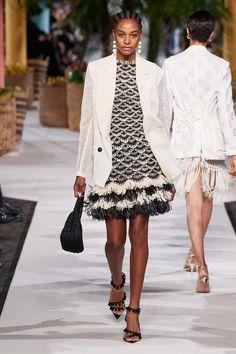 Oscar de la Renta Spring 2020 Ready-to-Wear Fashion Show - Vogue Fashion 2020, Fashion Week, New York Fashion, Look Fashion, Spring Fashion, High Fashion, Fashion Trends, Fashion Show Images, Runway Fashion
