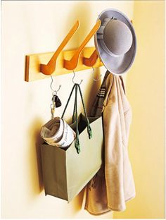 Make yourself a clever hook with some old clothes hangers
