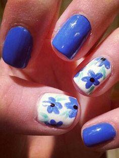Nail art - blue spring flowers