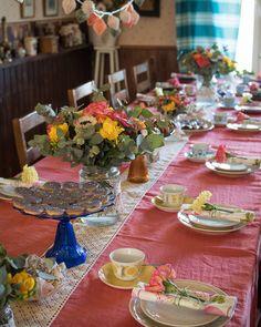 Juhlakattaus   juhlat   kukkakimppu   Arabianvanhant kupit   juhlaideoita