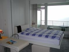 Łóżko chowane w suficie 3