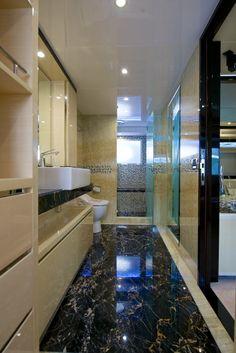 Nomad 75 owner's en suite. Visit gulfcraftinc.com for more information.