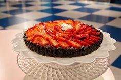 Sjokoladeterte med salt karamell Salt, Desserts, Food, Caramel, Tailgate Desserts, Deserts, Essen, Salts, Postres