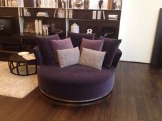 Round Swivel Chair!