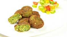 Ricetta Falafel: I falafel sono delle polpette a base di ceci gustose e speziate che si consumano molto spesso in Medioriente dove le spezie si sa la fanno da padrone.