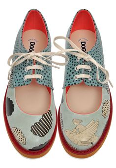 Discover the romantic Pency collection. Each design brings a touch of vintage to… Discover the romantic Pency collection. Each design brings a touch of vintage to your style. Oxford Shoes Outfit, Casual Oxford Shoes, Hot Shoes, Women's Shoes Sandals, Shoe Boots, Shoes Sneakers, Stilettos, Pumps, High Heels
