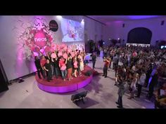 NEOS Wahlauftakt  #pinkrevolution Guy, Revolution, Politics, Concert, Videos, Pink, Concerts, Pink Hair, Roses