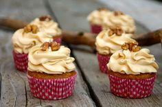 Paulas Frauchen: Toffee‑Cupcakes mit Datteln, Walnüssen und Dulce de leche