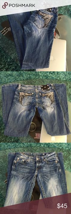 Miss Me jeans Good condition Miss Me jeans size 28 inseam 32 Miss Me Jeans Boot Cut