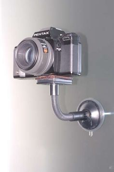 Cool idea: Turn your GPS suction cup support into a camera tripod