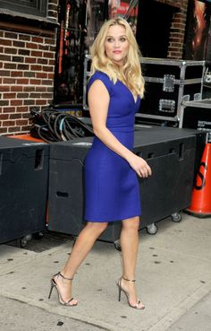 Reese Witherspoon Style - Fashion Pictures of Reese Witherspoon Reese Witherspoon Birthday, Reese Witherspoon Style, Stilettos, Heels, Reese Whitherspoon, Sexy Dresses, Dresses For Work, Work Outfits, Pastel Tops