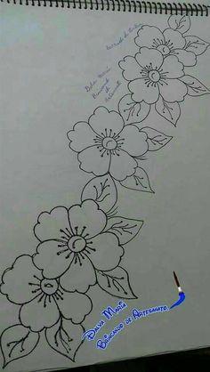 Embroidery Flowers Pattern, Hand Embroidery Stitches, Embroidery Art, Machine Embroidery, Fabric Paint Designs, Border Embroidery Designs, Fabric Painting, Flower Art, Flower Ideas