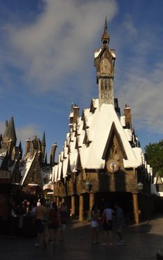 When I travel to Orlando, I'm thankful for how theme parks can transport you to another world!  ~Mommy Frog #UndercoverTouristPinterestGiveaway