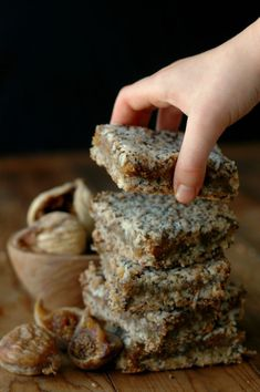 Make breakfast or snack time count with quick prep, freezer friendly, and power packed gluten free fig breakfast bars! Figs Breakfast, Breakfast Bars, Breakfast Recipes, Snack Recipes, Cookie Recipes, Gluten Free Breakfasts, Gluten Free Recipes, Fig Recipes Paleo, Fig Bars