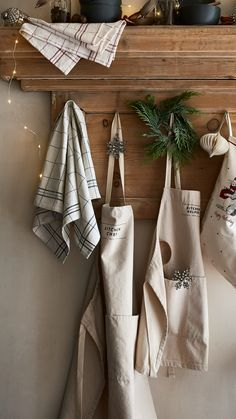 For dinner parties, Holiday preperations and making gingerbread — the kitchen is the heart of the home. | H&M Home