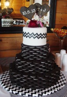 ) with a 6 inch fondant chevron cake on top. Oreo Wedding Cake, Wedding Cheesecake, Wedding Desserts, Wedding Cakes, Themed Birthday Cakes, Birthday Cookies, 25 Birthday, Birthday Ideas, Oreo Package