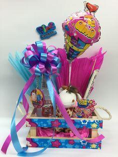 canasta con botanas - Buscar con Google Healthy Birthday, Birthday Party Snacks, Birthday Breakfast, Birthday Presents For Mum, Birthday Cards For Men, Best Birthday Gifts, Balloon Box, Balloon Gift, Surprise Box