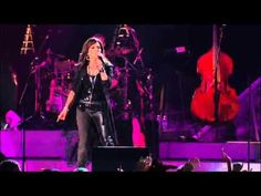 """▶ """"Hit Me With Your Best Shot'"""" - Martina McBride (Live in Concert) - YouTube"""