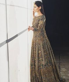 #BTS: @aamnababer in @hsystudio for #HSY #BridalShoot with the Jewellry by: @zohra_rahman and Photography: @maramaabroo Stay tuned with #THEWORLDOFHSY  Live on SNAPCHAT NOW!