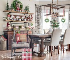 Rustic farmhouse Christmas breakfast nook || Worthing Court