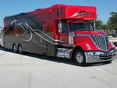 Now THIS is a motorhome!!