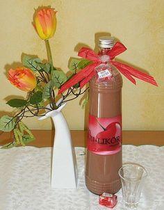 Mon Cheri - Likör  10 Konfekt (Mon Cheri) 200 g Zucker 200 g Sahne 3 Eigelb 270 ml Kirschwasser (alternativ auch Wodka oder Obstler)