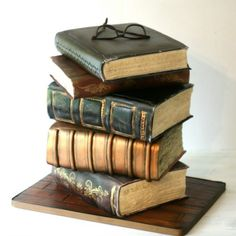 Love this book cake. Fondant Cake Tutorial, Fondant Cakes, Gorgeous Cakes, Amazing Cakes, Library Cake, Realistic Cakes, How To Stack Cakes, Fantasy Cake, Book Cakes