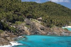 An island abandoned by mankind for a few years has now become a favorite spot for luxurious holiday seekers! This private island in the Seychelles hosts 11 luxury lodges and treats its visitors to exotic species of flora and fauna.