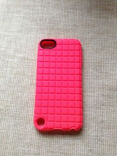 pink good-grip iPod 5 case. My cousin has this case. #redheadliv123