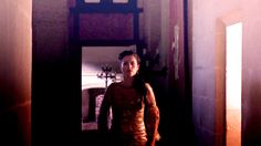 Cute Morgana trotting down the hall in 2x06.
