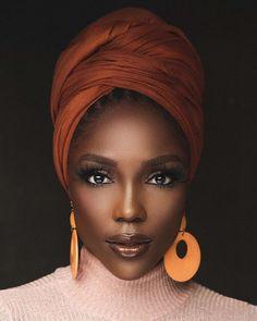 Hair Wrap Scarf, Hair Scarf Styles, Dark Skin Beauty, Hair Beauty, African Head Wraps, My Black Is Beautiful, African Beauty, African Style, African Hair