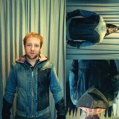 Eram 2 jaquetas! http://heroina-alexandrelinhares.blogspot.com.br/2013/08/heroina-alexandre-linhares-013-para-o.html