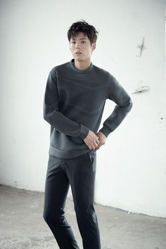 박보검 TNGT 16F/W 무로고 [ 출처 http://www.lfmall.co.kr/display.do?cmd=getBrandMain&TBRAND_CD=1004&WL_CD=MA036031 ]