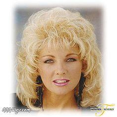 this looks like alot of work & haorspray! Yeah the Jane Fonda Hairstyles, Easy Hairstyles, 80s Short Hair, Short Hair Styles, Modern Mullet, Steel Magnolias, Bleach Blonde, Mullets, New Haircuts
