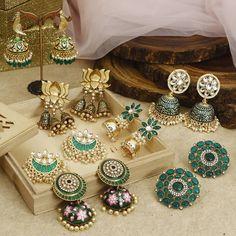 Buy Ultra Pretty Ethnic Earrings Online Now Indian Jewelry Earrings, Indian Jewelry Sets, Jewelry Design Earrings, Gold Earrings Designs, Indian Wedding Jewelry, Designer Earrings, Antique Jewellery Designs, Indian Jewellery Design, Jewelry Model
