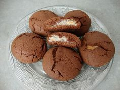 Sablé au chocolat et noix de coco1 Meringue Cookies, No Cook Desserts, Sweet Cakes, Cookies Et Biscuits, Macaroons, My Recipes, Scones, Waffles, Caramel
