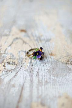 vintage 1960s enamel flower ring [Petite Violets Ring] - $32.00 : ADORED   VINTAGE, Vintage Clothing Online Store