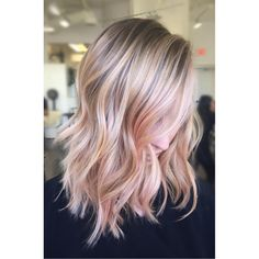 Champagne Blonde Hair, Rose Gold Balayage, Rose Gold Hair Brunette, Pink Ombre Hair, Hair Color Pink, Balayage Hair, Gray Hair, Pastel Pixie Hair, Blond Rose