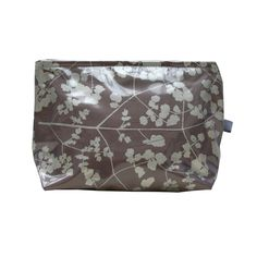 Small make up bag from Clarissa Hulse   £19   BUY AT CLARISSAHULSE.COM (located by e-tailtherapy.com - the best guide to online shopping)