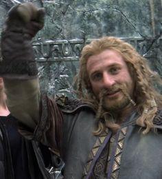 dean o'gorman fili behind the scnes Fili Und Kili, Lotr Cast, Dean O'gorman, Legolas And Thranduil, The Hobbit Movies, Blonde Guys, Jrr Tolkien, Fan Art, Movie Characters