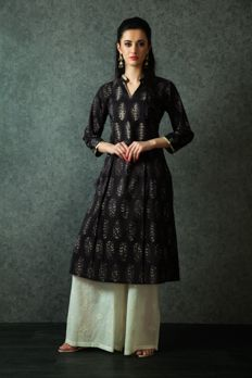 Block print kurta with embroidered palazzo pants from #Benzer #Benzerworld #ethnicwear #indowestern #womenswear