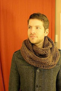Raediant Crochet: Men's infinity scarf pattern <- Siblings xmas present Crochet Infinity Scarf Free Pattern, Crochet Mens Scarf, Crochet Scarves, Crochet Shawl, Crochet Clothes, Crochet Patterns, Crochet Ideas, Crochet Projects, Scarf Patterns