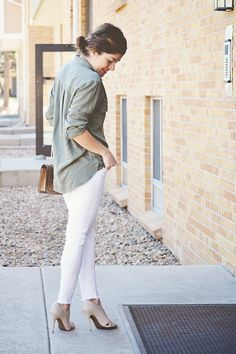 American Eagle boyfriend shirt. Military Inspired  Chic Talk | Colombian Fashion Blogger | Fashion Style - Inspiration - Trends - Ideas - Tips - Advice