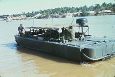 Brown Water Navy, Navy And Brown, Vietnam History, Vietnam War Photos, Us Navy Seals, Fast Boats, United States Navy, Armed Forces, Warfare