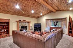 Big Bear Cabin #9 Ski Snow Summit 4Bed/2.5 Bath walk to lifts!To Book call (310) 800-5454 or click the image! #bigbear #california #cabin #5starvacation #familyroom