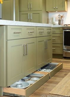 Kitchen Pantry Design, Diy Kitchen Storage, Kitchen Redo, Modern Kitchen Design, Home Decor Kitchen, Kitchen Interior, Home Kitchens, Smart Kitchen, Hidden Kitchen