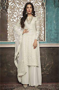Dress Indian Style, Indian Dresses, Pakistani Outfits, Indian Outfits, Pakistani Clothing, Indian Designer Outfits, Designer Dresses, Party Wear, Party Dress